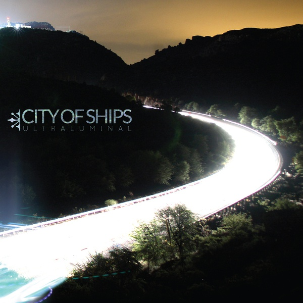 Cover CITY OF SHIPS, ultraluminal
