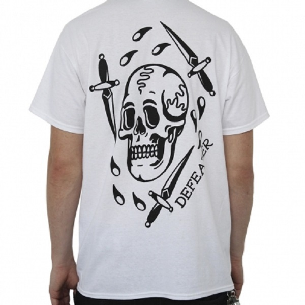 Cover DEFEATER, skull dagger (boy) white