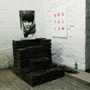Cover IDLES, brutalism