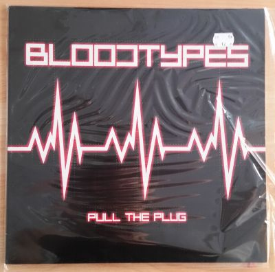 BLOODTYPES, pull the plug (USED) cover