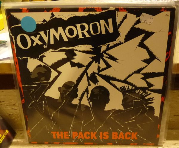 Cover OXYMORON, the pack is back (USED)